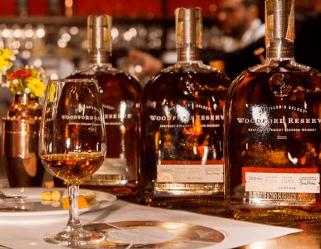 Descubre el poder y el balance perfecto del bourbon WoodFord Reserve