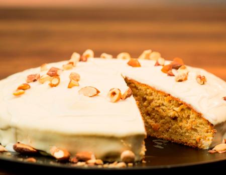 Torta-de-soya-con-zanahoria-y-crema-de-coco