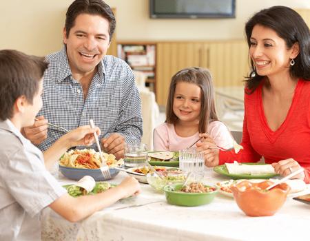 Disfruta-tus-comidas-en-familia--Foto destacada