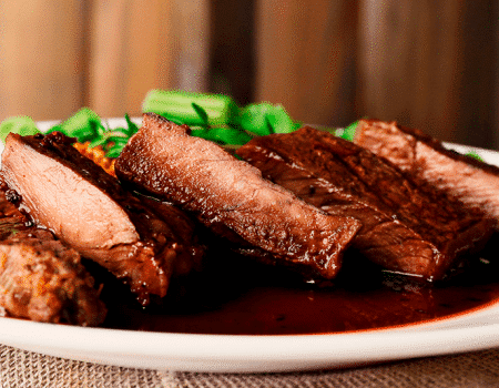 Carne-de-res-con-salsa-de-vino-tinto