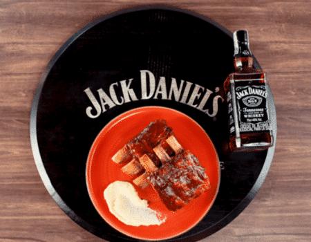 Déjate sorprender con unas exquisitas costillas de cerdo en salsa BBQ con Jack Daniel`s