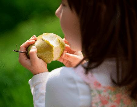 Haz de la pera una opción saludable para la lonchera de tus hijos