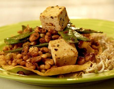 Salteado de tofu y legumbres